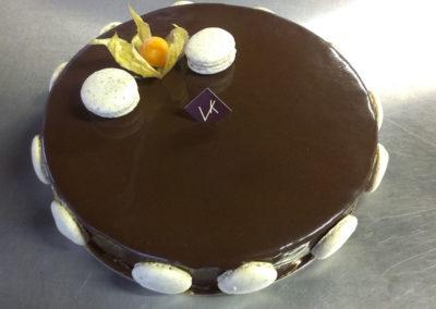 Kroquant Vanille : biscuit aux amandes, couche croquante praliné, crème légère à la vanille croquante, mousse au chocolat (3.50€/pers)
